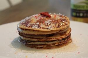 Banana pancakes with white chocolate whey