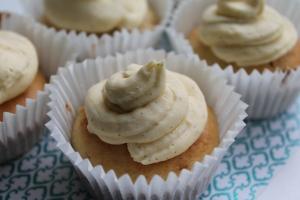 Vanille cupcakes met botercreme van échte vanille