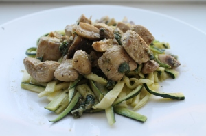 Pesto alla Genovese met courgette pasta