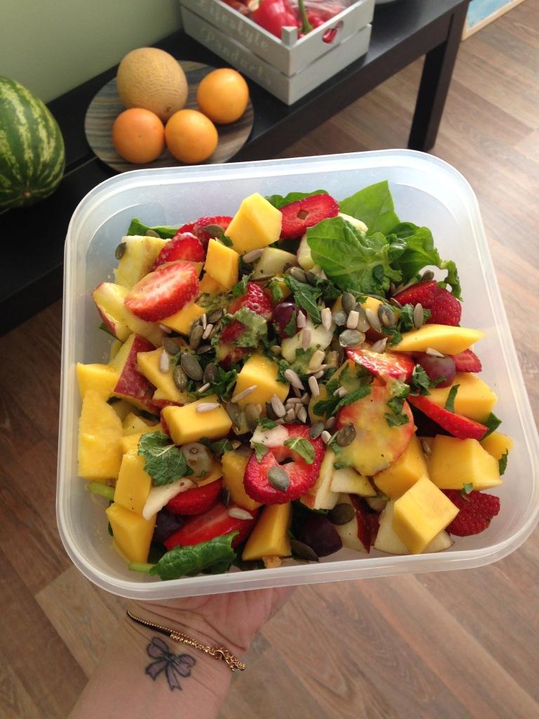 spinazie salade met fruit